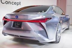 Торонто, Канада - 2018-02-19: Задний взгляд концепции Lexus LS, которая была показана на экспозиции бренда Lexus дальше Стоковое Фото