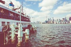 ТОРОНТО, КАНАДА - 19-ОЕ СЕНТЯБРЯ 2018: Skylin красивого Торонто стоковое фото rf