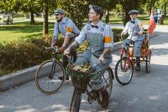Торонто, Канада - 20-ое сентября 2014: Езда одежды из твида стоковое изображение