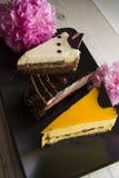 3 торта choco с розовым пионом Стоковое Изображение RF