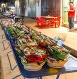Торты для aimgiving в prabang luang, Лаосе Стоковые Изображения RF