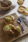 Торты и мед лимона Стоковые Фото