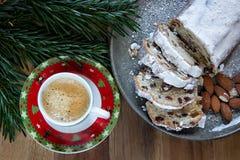 Торты пиршества рождества домодельные для рождества праздничное настроение стоковые изображения