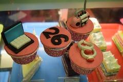 Торты girlslove сливк вкуса пирожных Стоковое Изображение