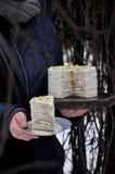 Торт блинчика с сметаной, бананом и гайками В отрезке Стоковая Фотография