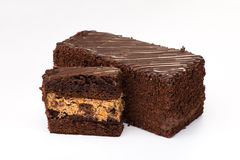 Торт Брайна при сливк заполняя с плодоовощ и шоколадом Стоковые Фото