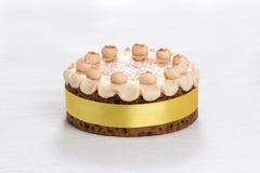 Торт британцев пасхи торта Simnel традиционный, с отбензиниванием марципана и традиционными 12 шариками марципана Стоковое Изображение RF