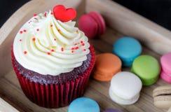 Торт валентинки шоколада с сердцем Стоковые Изображения RF