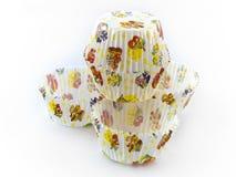 торт выпечки предпосылки покрывает бумажную белизну стоковое фото rf