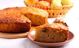 Торт груши и яблока с циннамоном Стоковая Фотография