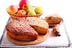 Торт груши и яблока с циннамоном Стоковое фото RF