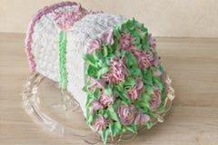 Торт губки в форме букета цветков стоковое фото rf