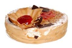 Торт изолированный на белой предпосылке Торт с шоколадом, плодоовощ и сливк Стоковые Фотографии RF