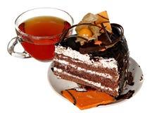 Торт изолированный на белой предпосылке Торт с шоколадом, плодоовощ и сливк Стоковые Изображения