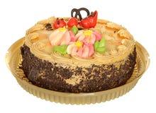 Торт изолированный на белой предпосылке Торт с шоколадом, плодоовощ и сливк Стоковое Изображение RF