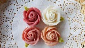 торт конфеты десерта очарования традиционный тайский в корзине керамического блюда и латуни Стоковые Изображения RF