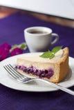 Торт кофе с голубиками стоковая фотография