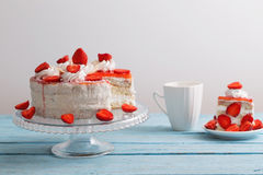 Торт клубники с кофе стоковые фотографии rf