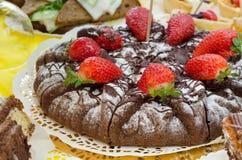 Торт клубники browny Стоковые Изображения RF