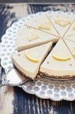Торт лаванды лимона сырцовый Стоковое Фото