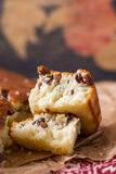 Торт манной крупы с изюминками Стоковая Фотография