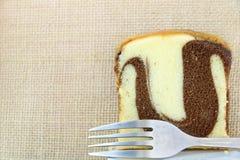 Торт масла шоколада хлебопекарни мраморный Стоковые Фотографии RF