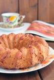 Торт моркови с миндалинами, книга, чашка Стоковое Изображение RF