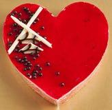 Торт мусса клубники в форме сердца Стоковая Фотография RF