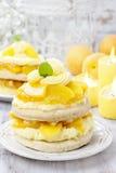 Торт персика слоя Стоковая Фотография