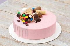 Торт пинка мусса ` s девушки Стоковые Изображения