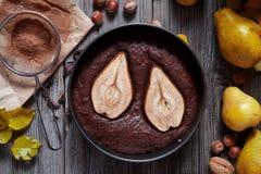 Торт пирога шоколада с праздником рождества домодельного пирожного осени груши традиционным Стоковые Фотографии RF