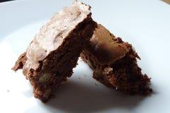 Торт пирожного над белой предпосылкой Стоковые Фотографии RF