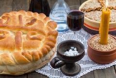 Торт праздника традиционный с свечой Стоковые Изображения