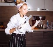 Торт предусматриванный в шоколаде Полива зеркала Стоковая Фотография RF