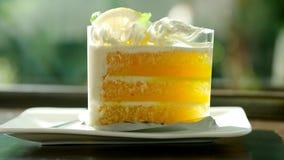 торт приправленный лимоном со сладким и кислым вкусом совершенно стоковое изображение