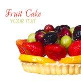 Торт плодоовощ изолированный на белой предпосылке с космосом для текста. Сладостный десерт. стоковая фотография