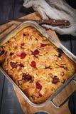 Торт ревеня от печи стоковые фото