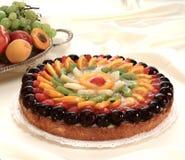 Торт свежих фруктов с установкой Стоковая Фотография