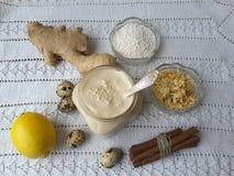 Торт сезама циннамона саго, варя вегетарианскую еду с саго, циннамон и имбирь стоковая фотография rf