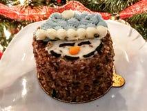 Торт снеговика на курортный сезон стоковые фотографии rf