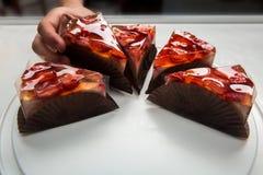 Торт студня с ягодами Чизкейк ягоды изолированный на белизне Стоковая Фотография RF