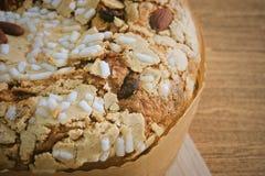 Торт с высушенными плодоовощами и гайками миндалины Стоковые Фото
