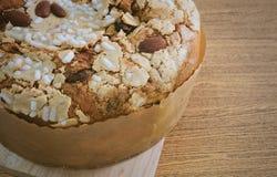 Торт с высушенными плодоовощами и гайками миндалины Стоковые Фотографии RF