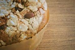 Торт с высушенными плодоовощами и гайкой миндалины Стоковые Фото