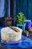 Торт с грецкими орехами и маковыми семененами Стоковые Фото