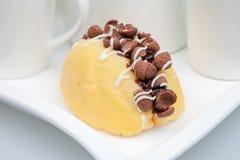 Торт сливк хруста кокосов Стоковое Фото