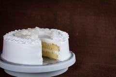 Торт сливк хлыста без покрывать стоковые фотографии rf