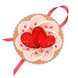 Торт с 2 красными сердцами Стоковая Фотография RF