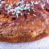 Торт с красочным сахаром в конце вверх Стоковые Фото