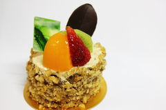 Торт украшенный с свежими фруктами стоковое фото rf